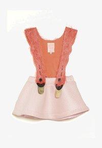 WAUW CAPOW by Bangbang Copenhagen - BIRD GIRL - Vestido informal - pink/coral - 2