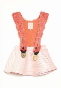 WAUW CAPOW by Bangbang Copenhagen - BIRD GIRL - Vestido informal - pink/coral - 0