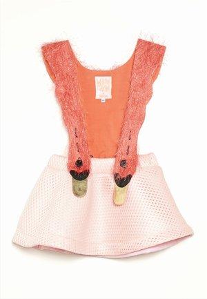 BIRD GIRL - Vestido informal - pink/coral