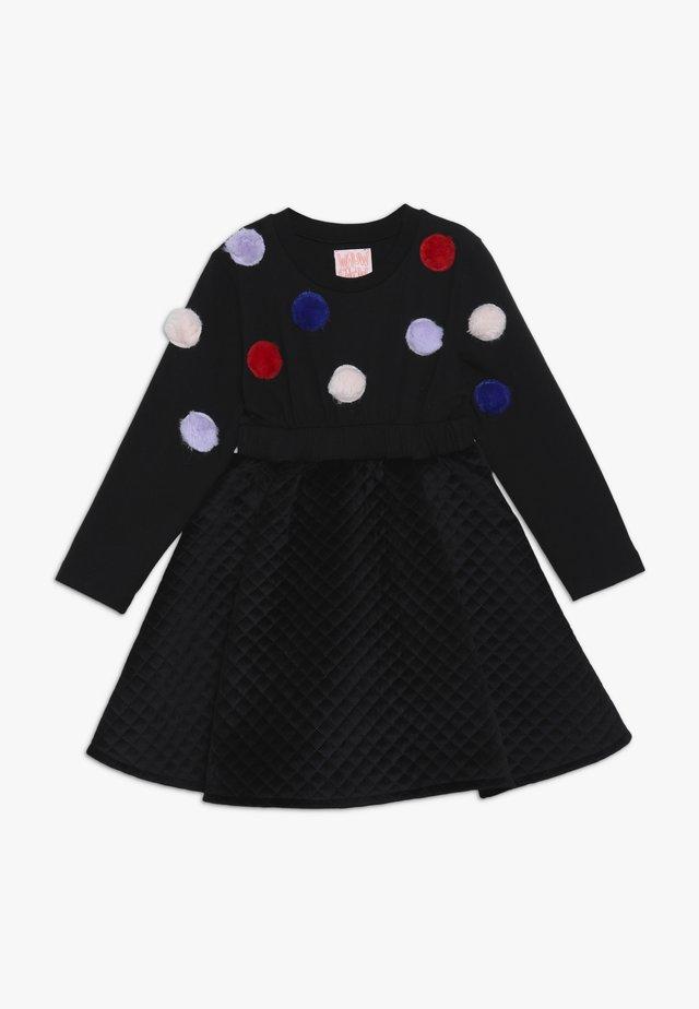 FLORA FLOW - Žerzejové šaty - black
