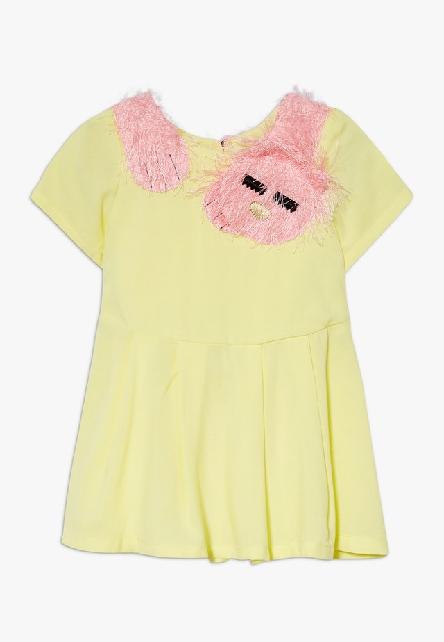 SLEEPY CAT DRESS - Denní šaty - yellow