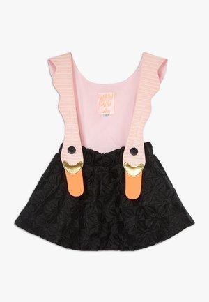 BIRD GIRL PINK STRIPES DRESS - Korte jurk - black/pink