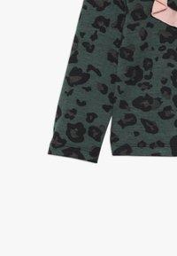 WAUW CAPOW by Bangbang Copenhagen - ALLY - Long sleeved top - green - 4