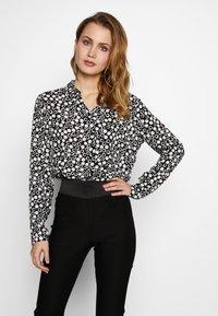 Barbara Lebek - BLUSE GEMUSTERT - Button-down blouse - black/offwhite - 0
