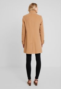 Barbara Lebek - Classic coat - camel - 2