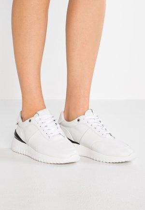 ALLEN - Trainers - white