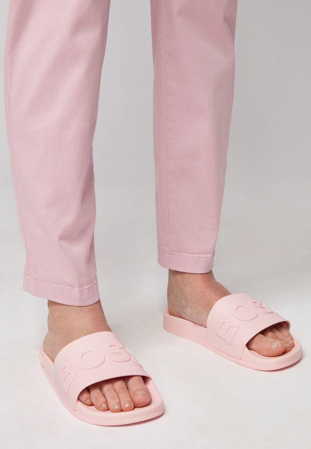 BAY_SLID_RBLG - Badslippers - light pink