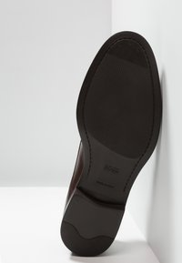 BOSS - COVENTRY - Stringate eleganti - dark brown - 4