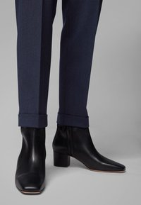 BOSS - TOCANES - Trousers - blue - 3