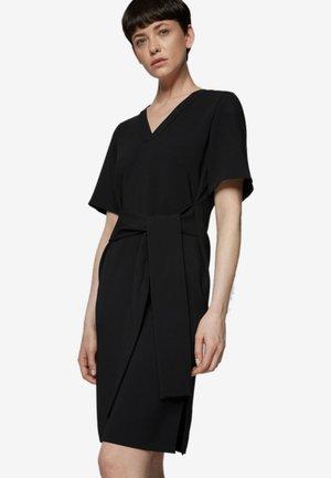 DAKALI - Korte jurk - black