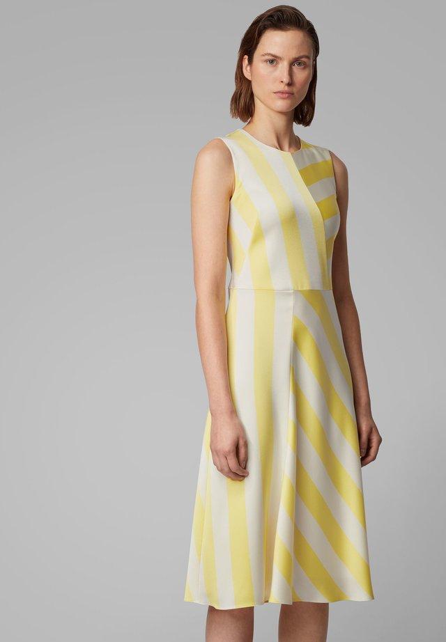 DALTA - Robe d'été - yellow