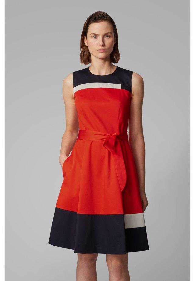 DADESA - Korte jurk - orange