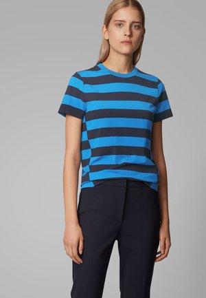 ETIAGA - Print T-shirt - blue