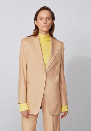 JEDARA_FS_C - Short coat - light brown