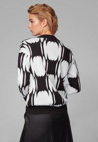 BOSS - Strickpullover - black/white - 2