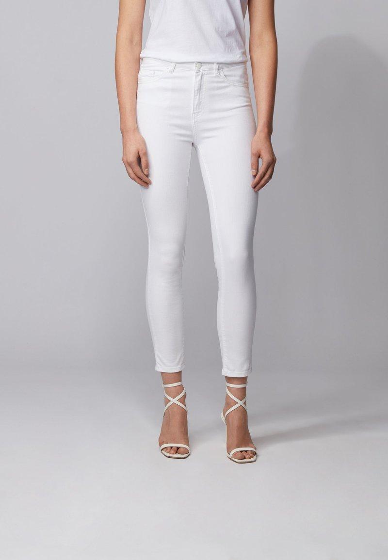 BOSS - J11 MAGALIA - Jeans Skinny Fit - natural