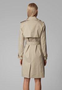 BOSS - CANDROMEDAE - Trenchcoat - beige - 2