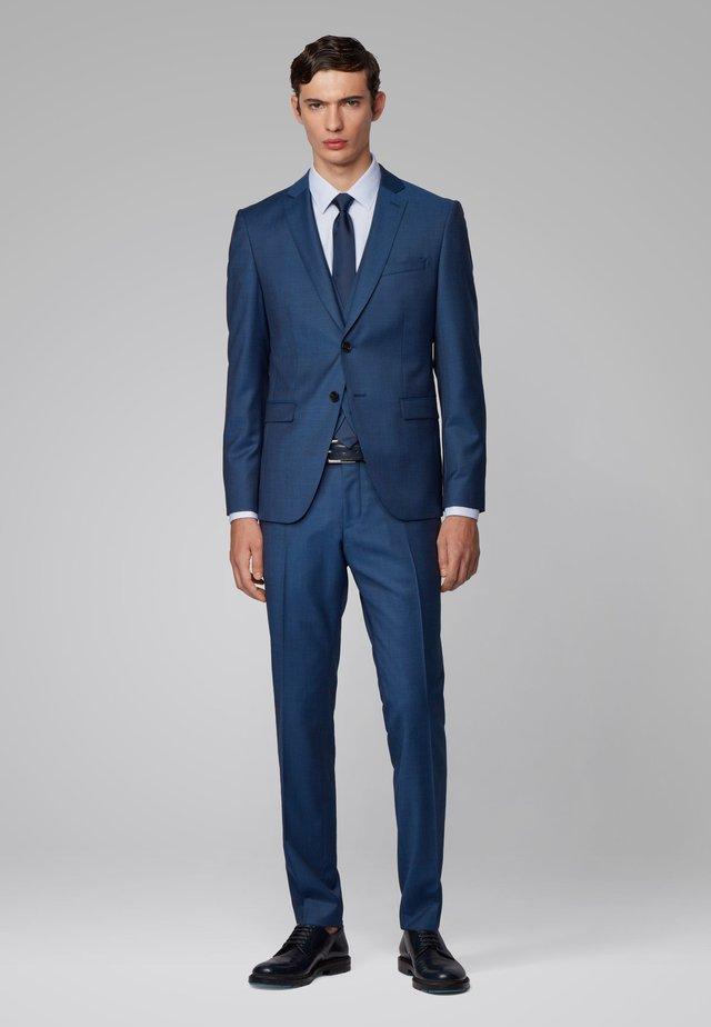 REYMOND/WENTEN WE1 - Costume - open blue