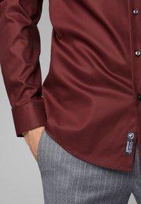 BOSS - JORDI - Camicia - dark red - 3