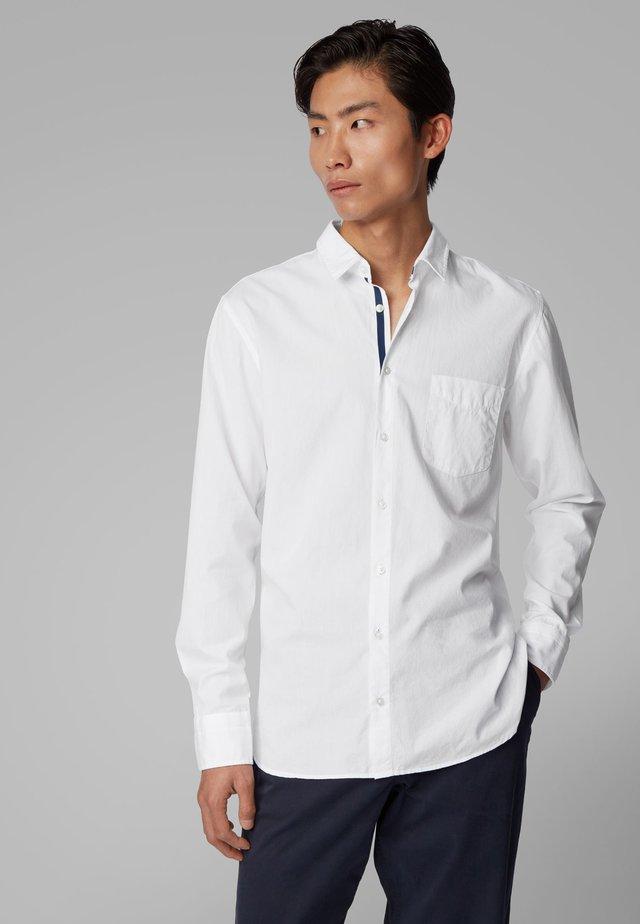 MAGNETON_1 - Shirt - white
