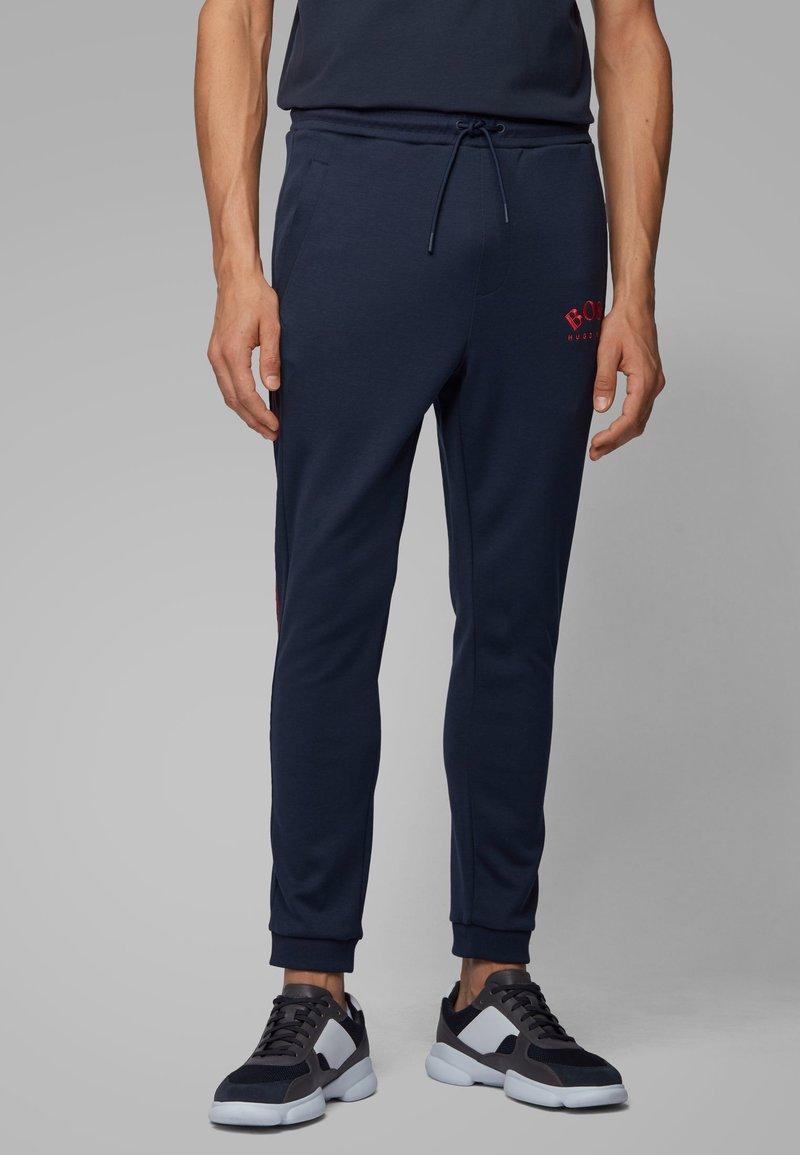 BOSS - Pantaloni sportivi - dark blue