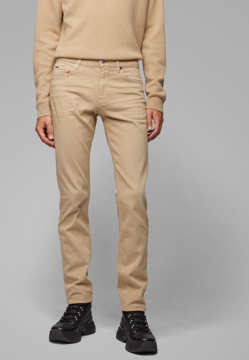 BOSS - DELAWARE - Straight leg jeans - beige