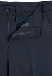 BOSS - PERIN - Chino - dark blue - 3