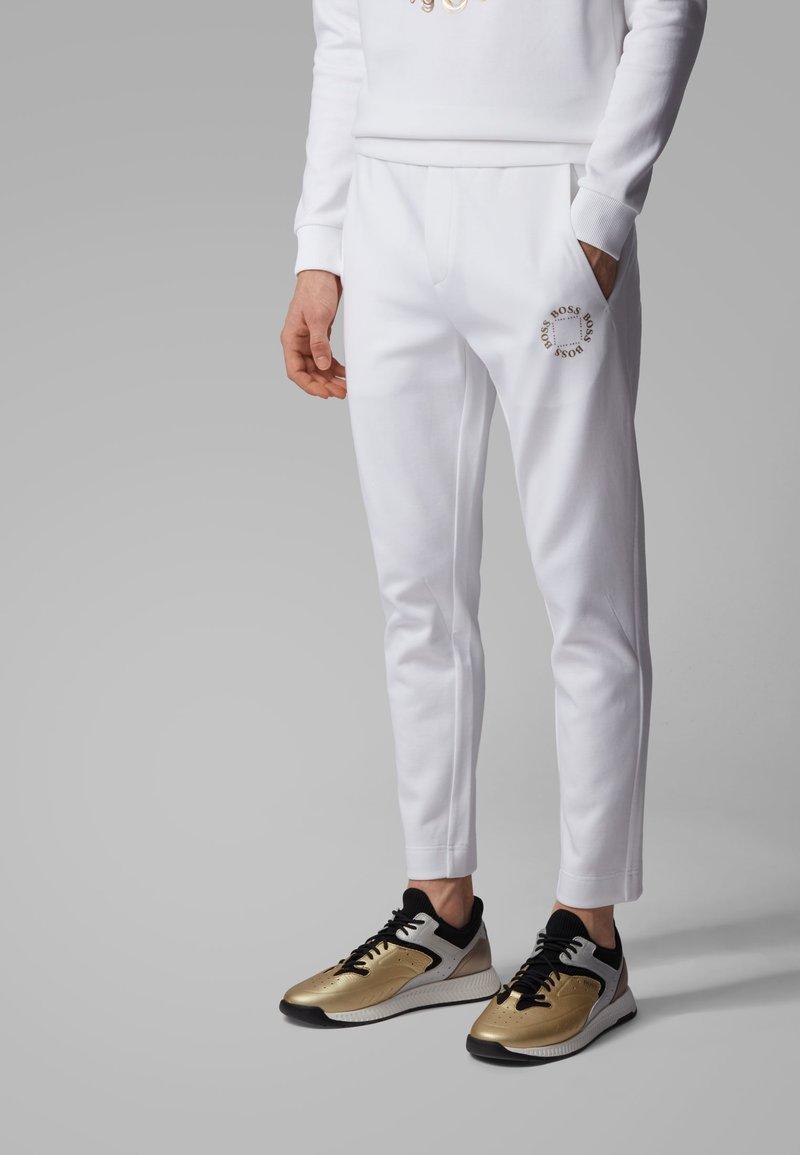 BOSS - HALBOA CIRCLE - Jogginghose - white