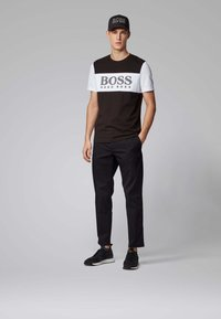 BOSS - KEEN2-11 - Chino - black - 1