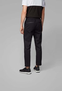 BOSS - KEEN2-11 - Chino - black - 2