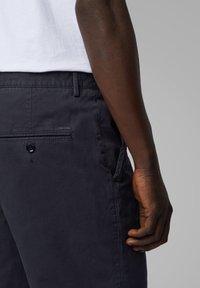 BOSS - Shorts - dark blue - 3