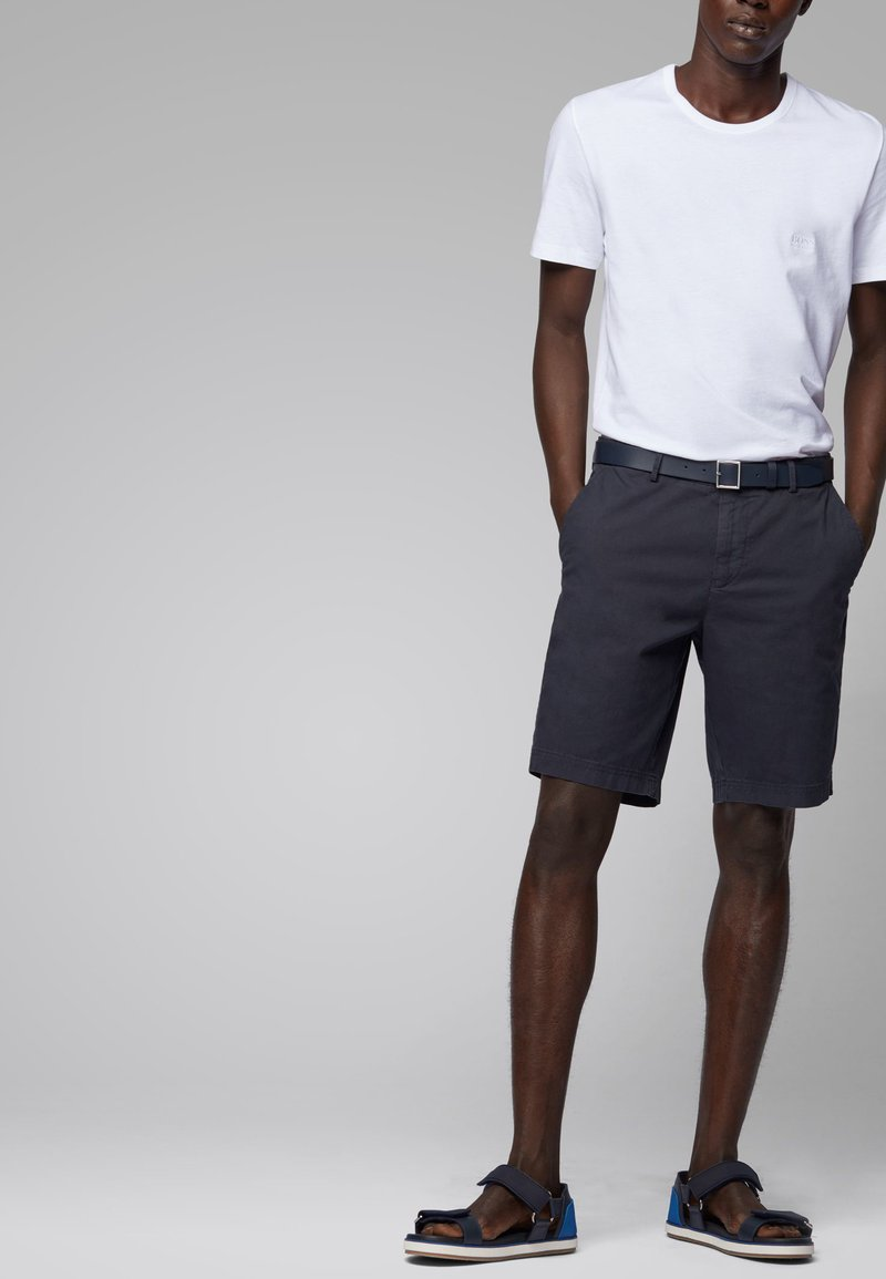 BOSS - Shorts - dark blue