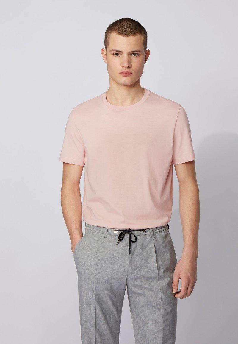 BOSS - TIBURT  - Basic T-shirt - light pink