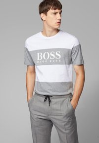 BOSS - TIBURT  - T-shirt con stampa - white/grey - 0