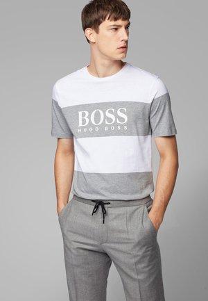 TIBURT  - Print T-shirt - white/grey