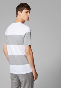 BOSS - TIBURT  - T-shirt con stampa - white/grey