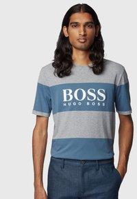 BOSS - TIBURT  - T-shirt print - silver - 0