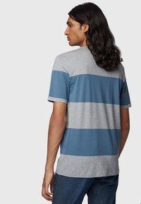 BOSS - TIBURT  - T-shirt print - silver - 2