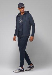 BOSS - TEE  - T-shirt print - dark blue - 1
