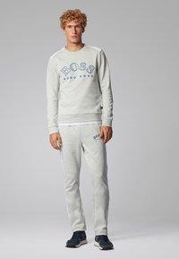 BOSS - SALBO - Sweatshirts - light grey - 1