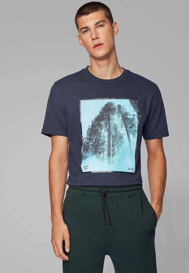 TIPOFF  - Print T-shirt - dark blue
