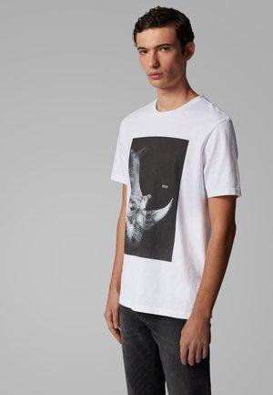 TROAAR 2 - Print T-shirt - natural