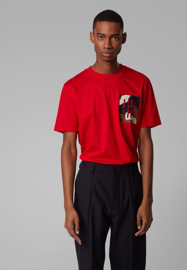 TAMES 12 - Print T-shirt - red