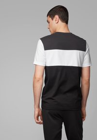 BOSS - TEE 6 - Print T-shirt - black - 2