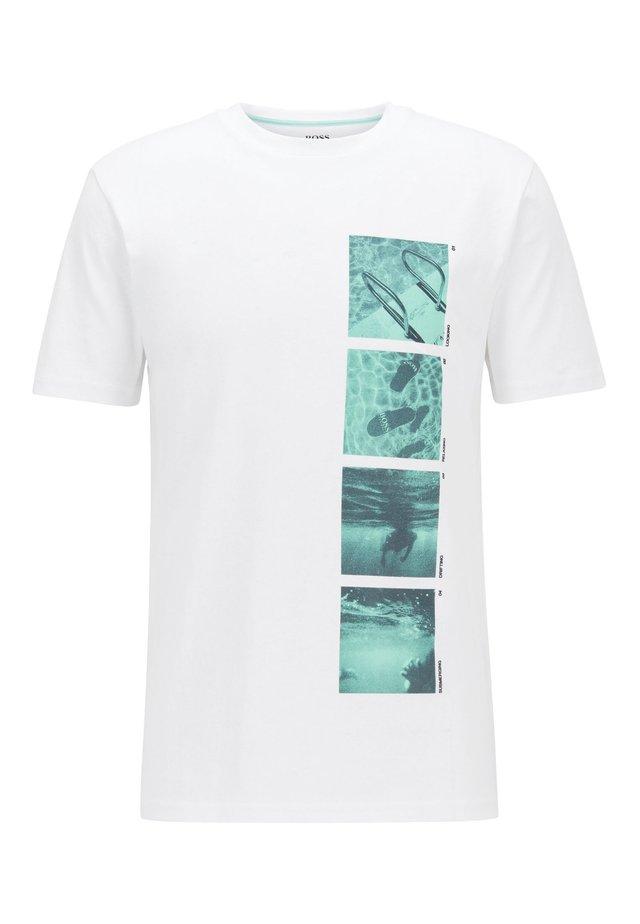 TSUMMER 1 - T-shirt imprimé - white