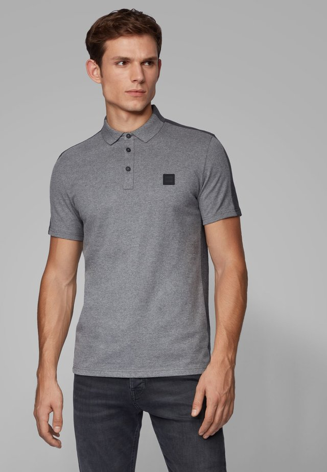 PEVIDED - Polo shirt - grey