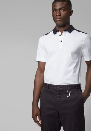 PICKOUT - Polo shirt - white
