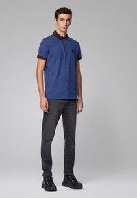 BOSS - PAIOS - Polo shirt - dark blue - 1