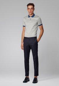 BOSS - PENROSE 22 - Polo shirt - open grey - 1