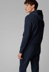 BOSS - SAGGY CIRCLE - Zip-up hoodie - dark blue - 2